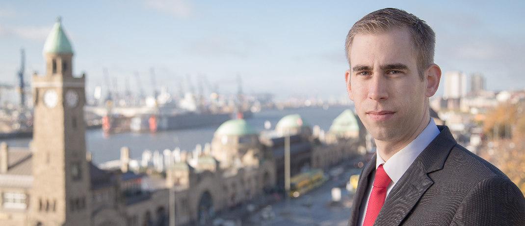 Jens Reichow ist Partner der auf Vermittlerrecht spezialisierten Kanzlei Jöhnke & Reichow.