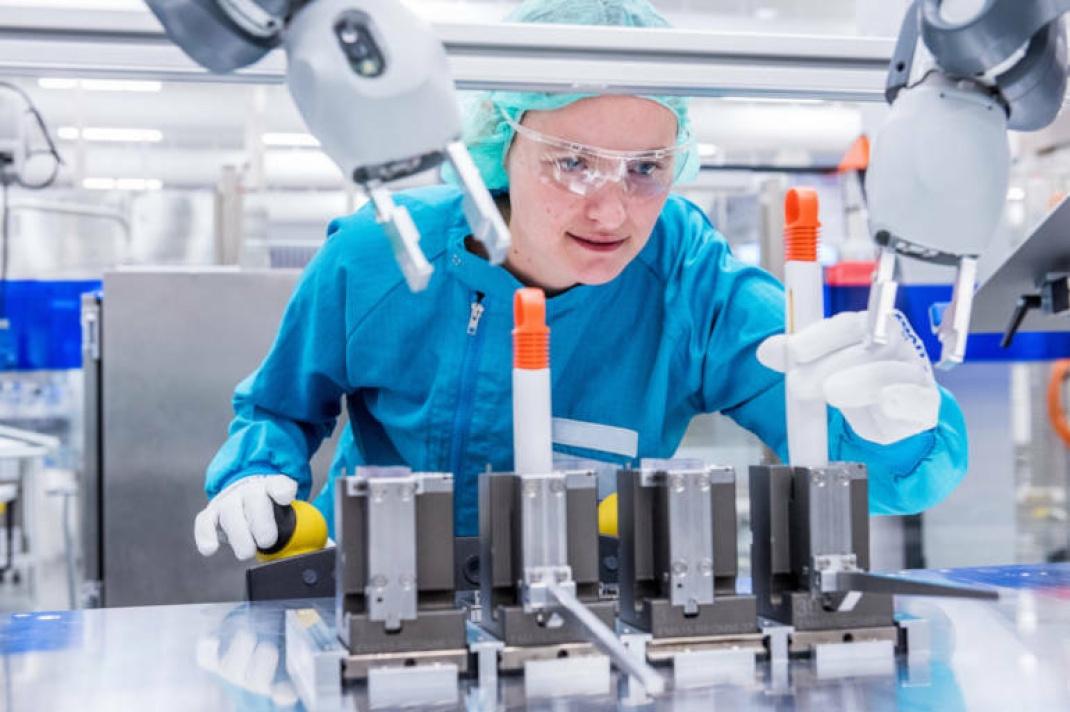 Produktion von Injektionshilfen bei Sanofi in Frankfurt