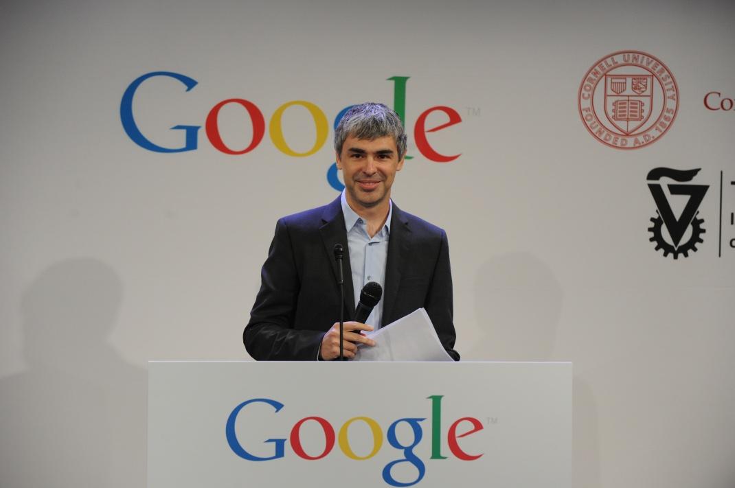 Larry Page bei einer Pressekonferenz: Wie sein Google-Mitstreiter Sergey Brin legte er im Dezember 2019 seinen Posten als Geschäftsführer bei Alphabet nieder.