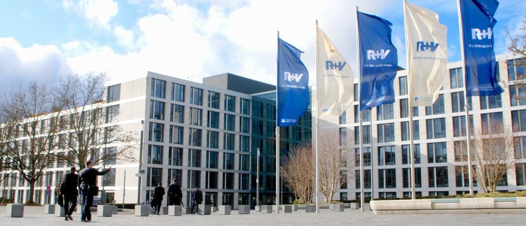Gebäude der R+V Versicherung in Wiesbaden