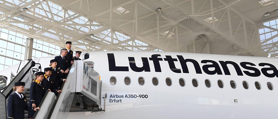 """Ein Lufthansa Airbus A350-900 wird auf dem Flughafen München auf den Namen """"Erfurt"""" getauft"""