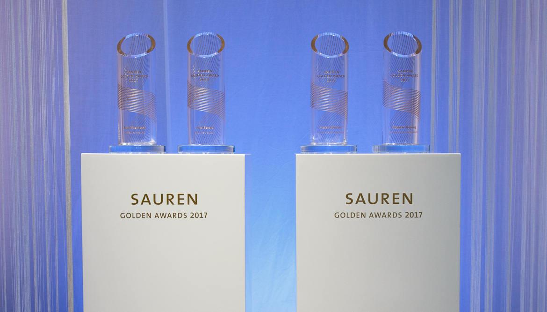 Die begehrten Trophäen: Sauren Golden Awards 2017