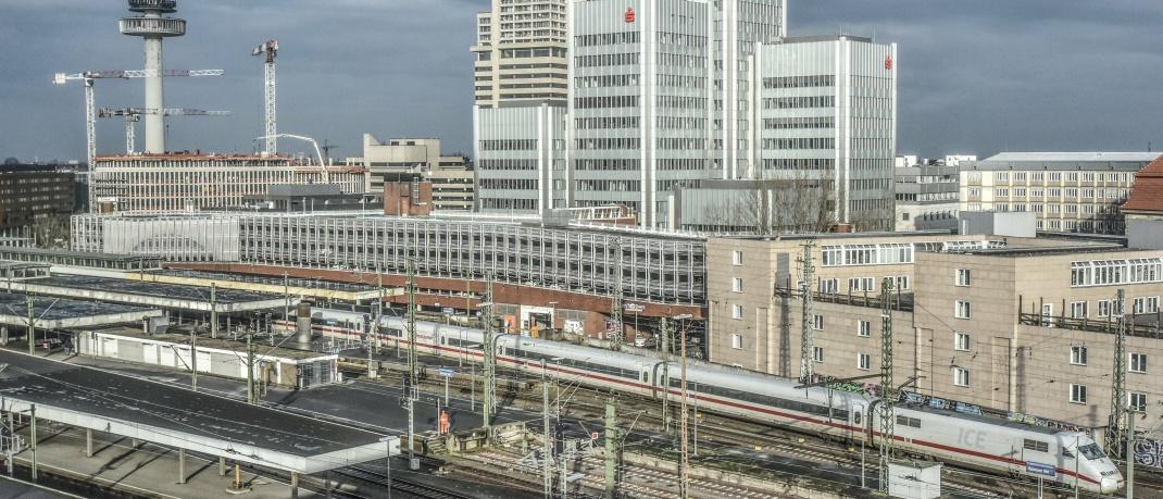Bahnhof in Hannover: Noch wirkt sich das Corona-Virus in der niedersächsischen Stadt nicht stark am Immobilienmarkt aus.