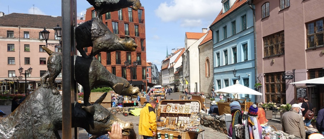 Bremer Stadtmusikanten vor der Kirche St. Petri.