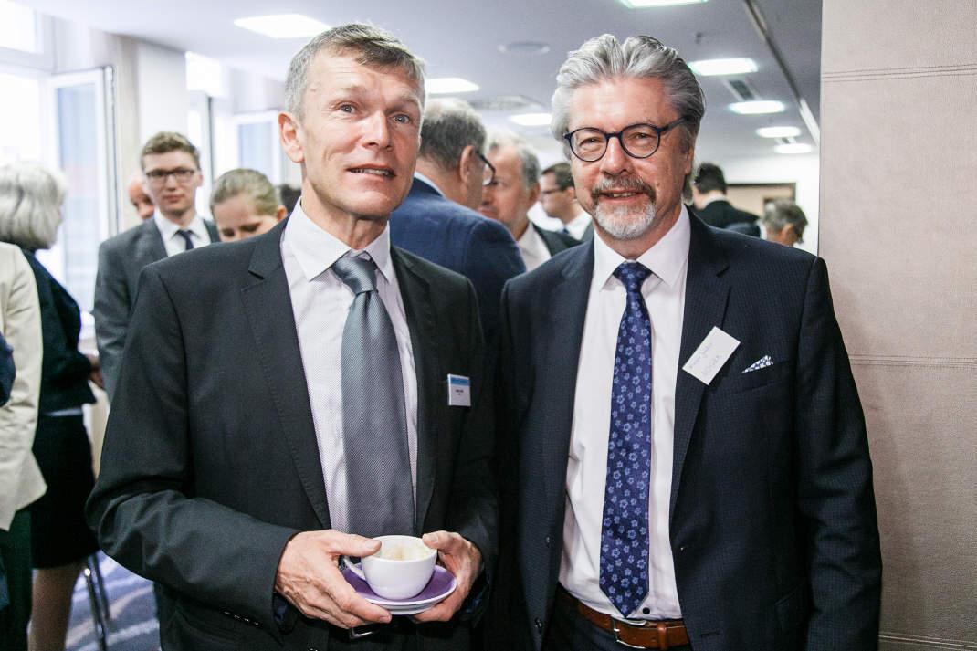 Robert Beitl, Leiter Capital Markets der LBBW Repräsentanz Wien (l.), und Werner Janker, NÖGKK. Beitl sprach das Grußwort zum LBBW Kapitalmarkforum 2018 in Wien.