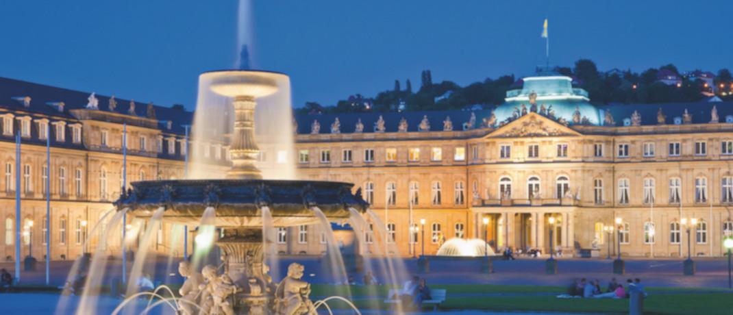 Schlossplatz am Brunnen in Stuttgart