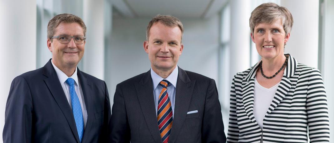 Vorstände der Techniker Krankenkasse Jens Baas (Mitte), Thomas Ballast und Karen Walkenhorst