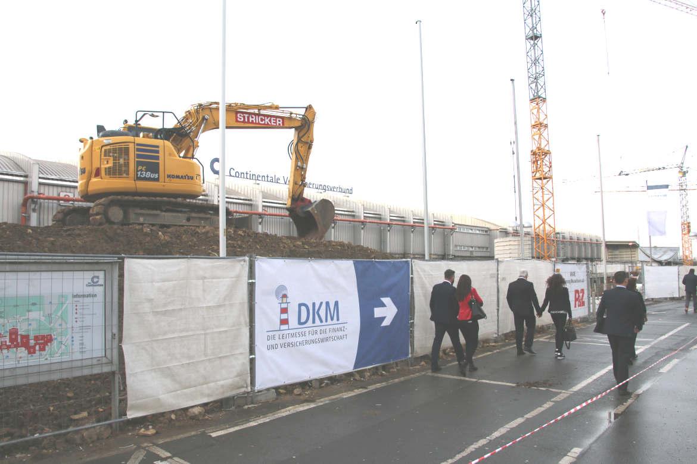 Wer zur DKM möchte, muss zunächst durch eine Großbaustelle. Anscheinend werden die Westfalenhallen in Dortmund erweitert.