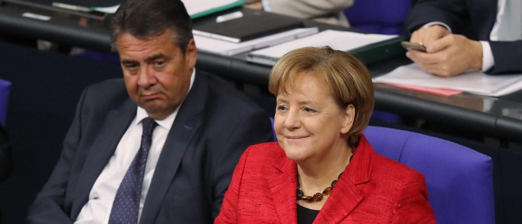 Sigmar Gabriel (SPD) und Angela Merkel (CDU) im Deutschen Bundestag