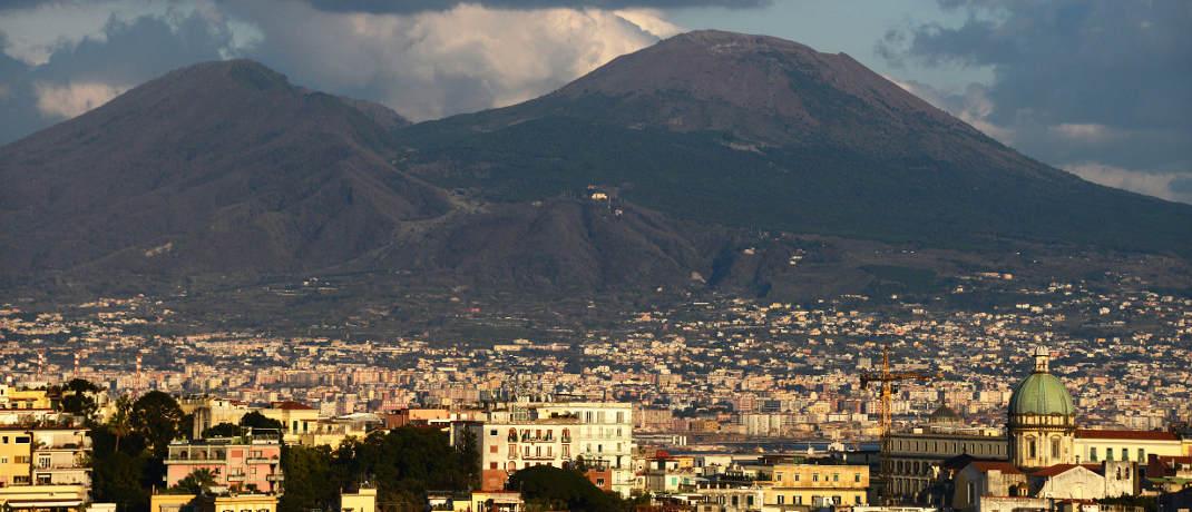 Der Vesuv ist nur etwa zehn Kilometer von der Millionenstadt Neapel gelegen