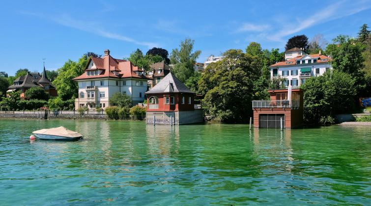 Villen mit Badehäusern am Zürichsee: Zürich gilt ohnehin als teures Pflaster – Platz 13 für die Stadt im Norden der Schweiz.