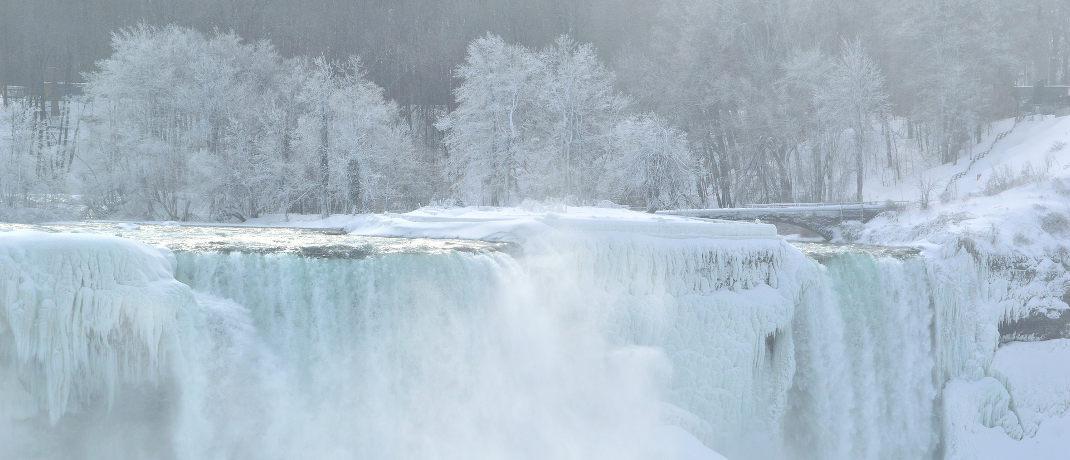 In kalten Wintern kommt es vor, dass die Niagarafälle an der amerikanisch-kanadischen Grenze einfrieren: Frostig ging es bei Investitionen in die Wasserwirtschaft nicht zu – Fonds dieser Kategorie legten deutlich zu.