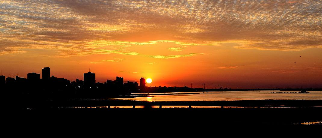 Sonnenuntergang über Paraguays Hauptstadt Asunción: Platz 10 für das südamerikanische Land in der Rangliste der schwächsten Währungen.