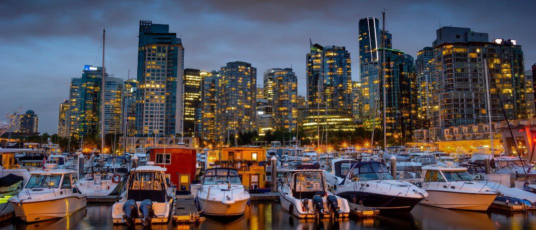 Skyline von Vancouver: Der Kanadische Dollar legte 2019 gegenüber dem Euro um 7,3 Prozent zu – Rang 8.
