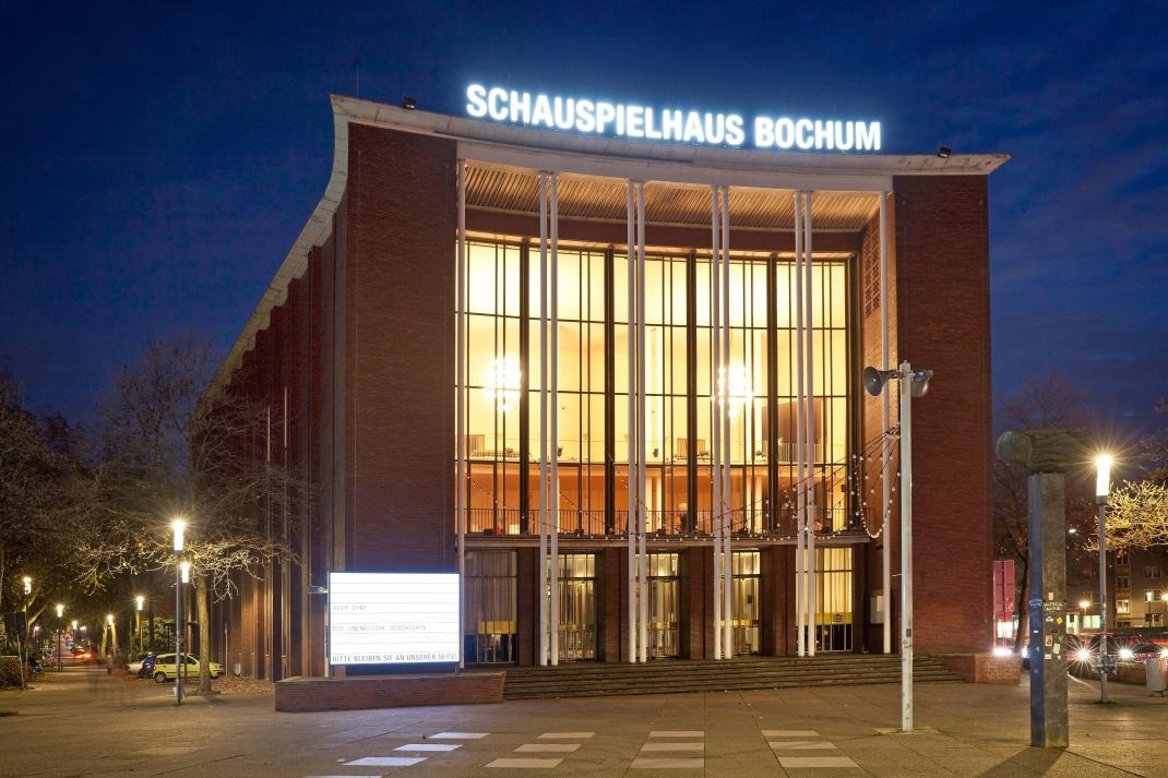 Schauspielhaus in Bochum: Für 500.000 Euro bekamen Käufer 2013 knapp 400 Quadratmeter Wohnfläche, 2020 waren es 278 Quadratmeter.
