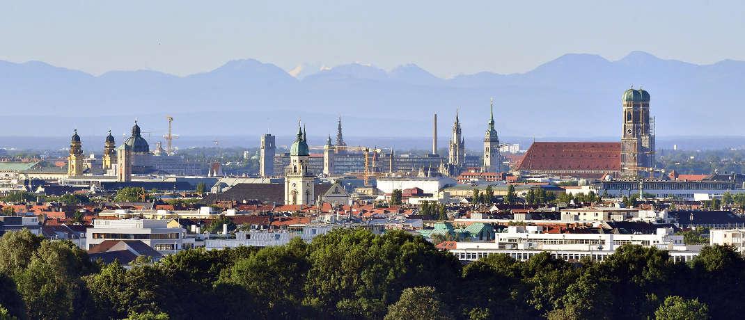 Münchner Skyline. Die Vermögensverwaltung Hartz, Regehr & Partner ist in der bayerischen Landeshauptstadt ansässig.