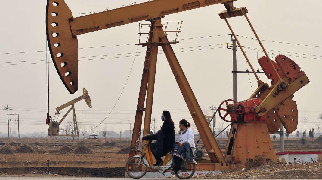 Bohrtürme im nordostchinesischen Cangzhou im Jahr 2009: Hier fördert Petrochina Erdöl