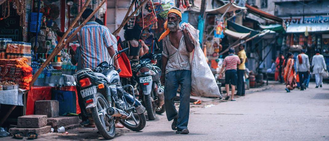 In vielen Entwicklungsländern lebt ein großer Bevölkerungsteil noch in Armut.