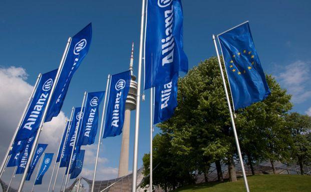 Flaggen der Allianz: Deutschlands größter Versicherer startet erstes Produkt im Direktvertrieb (Foto: Allianz)