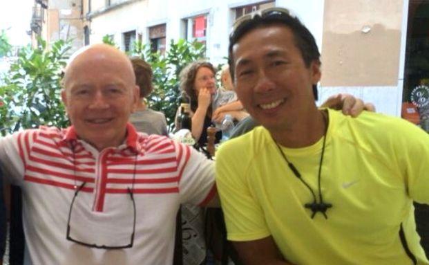 Mark Mobius (links) mit Dennis Lim (rechts)