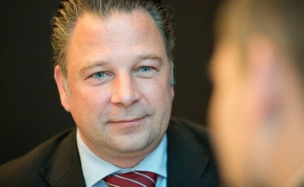 Jörg Seifart, Geschäftsführer der Gesellschaft für das Stiftungswesen, im Gespräch über die Beziehung von Vermögensberatern und Stiftungen. Foto: C. Scholtysik und P. Hipp