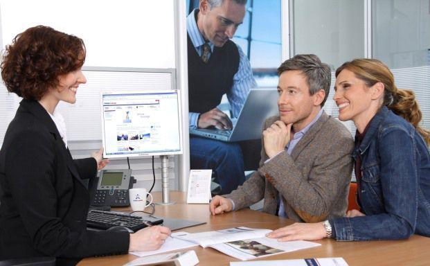 Kundentermine gehören zum Job eines jeden Maklers. Um noch mehr Kundengespräche führen zu können, müssen sie immer am Ball bleiben (Foto: Targo)