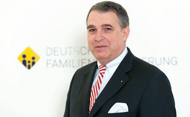 Stefan M. Knoll: Vorstand DFV Deutsche Familienversicherung, zuständig für Betrieb, Leistung und Recht.