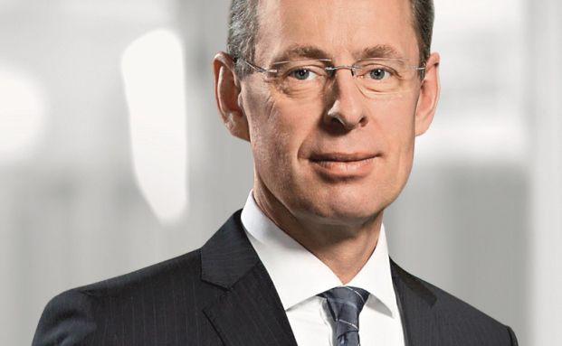 Gustav Holtkemper ist Bereichsvorstand für Privat-, Geschäfts- und Wealth-Management-Kunden der Commerzbank