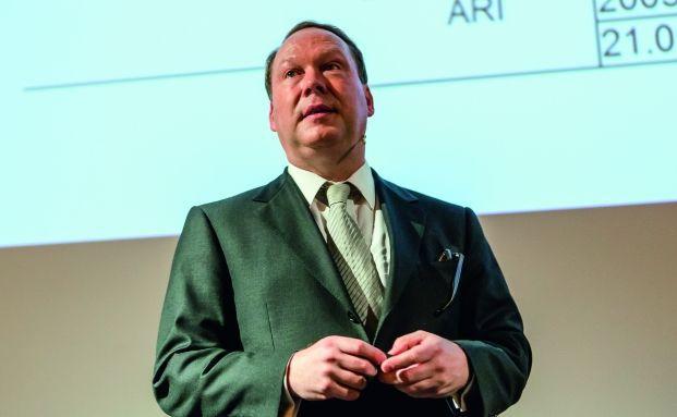 Max Otte ist unter anderem Professor für allgemeine und internationale Betriebswirtschaftslehre an der Hochschule Worms, Leiter des 2003 von ihm gegründeten Instituts für Vermögensentwicklung (IFVE) sowie unabhängiger Fondsmanager.