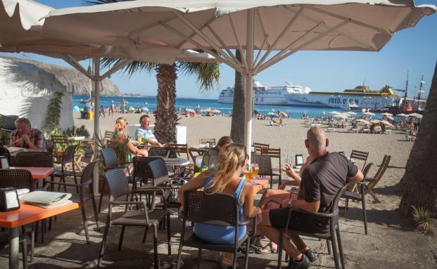 Touristen auf Teneriffa. Iberische Volkswirtschaften sind auf klarem Wachstumskurs. (Bild: Getty Images)