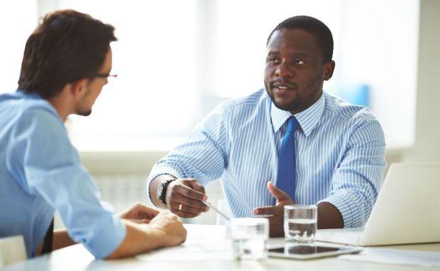 Eine partnerschaftlichere Zusammenarbeit zwischen Vermittler und Versicherer wünscht sich Finanzberater Michael Deising. Foto: Panthermedia