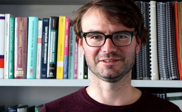 Professor Thomas Rixen von der Uni Bamberg plädiert für eine internationale Steuerbehörde