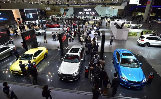 Automesse in Südkorea. Das globale Wirtschaftswachstum dürfte 2016 leicht eintrüben. Aufwärts scheint es dagegen in Südkoreas Binnenwirtschaft zu gehen. (Foto: Getty Images)