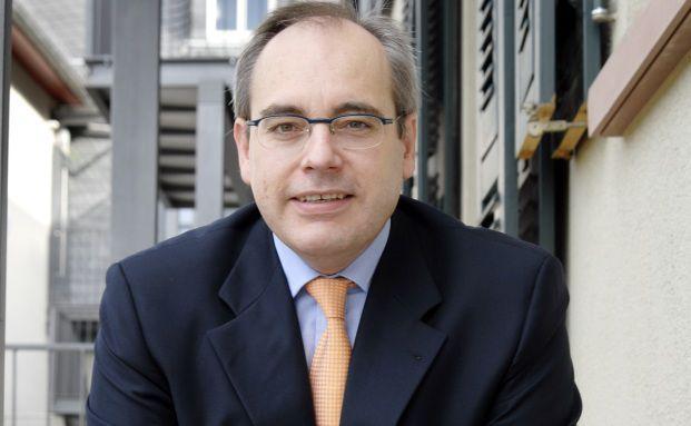 Prof Dr. Rolf Tilmes ist neben seiner Vorstandstätigkeit beim FPSB Deutschland auch Inhaber des Stiftungslehrstuhls für Private Finance & Wealth Management an der EBS Business School in Oestrich-Winkel.