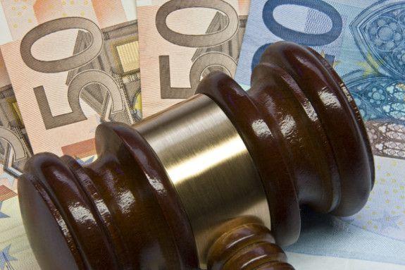 Der Verk&auml;ufer einer Lebensversicherung macht Schadensersatzanspr&uuml;che wegen fehlerhafter Beratung geltend. Foto: Thorben Wengert <a href='http://www.pixelio.de' target='_blank'>pixelio.de</a>