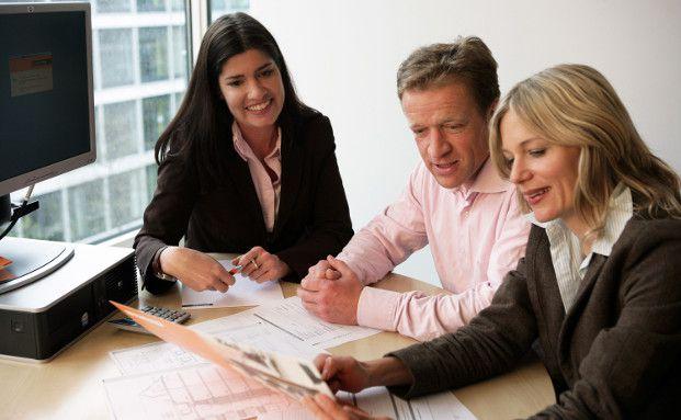 Eine Baufinanzierung erfodert persönliche Beratung. Foto: Interhyp