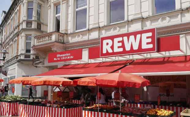 Unten Geschäft, oben Wohnen: Rewe-Filiale in Essen. Foto: Getty Images
