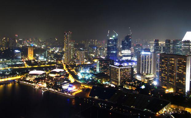 Skyline von Singapur, Foto: M. Hermsdorf / <a href='http://www.pixelio.de' target='_blank'>pixelio.de</a>