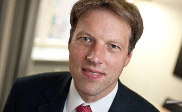 Dr. Stefan Bach ist Wissenschaftlicher Mitarbeiter beim Deutschen Institut für Wirtschaftsforschung (DIW Berlin).