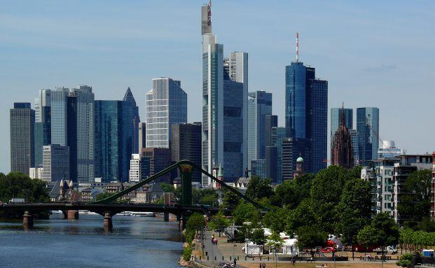 Skyline von Frankfurt, Foto: Lupo / <a href='http://www.pixelio.de' target='_blank'>pixelio.de</a>