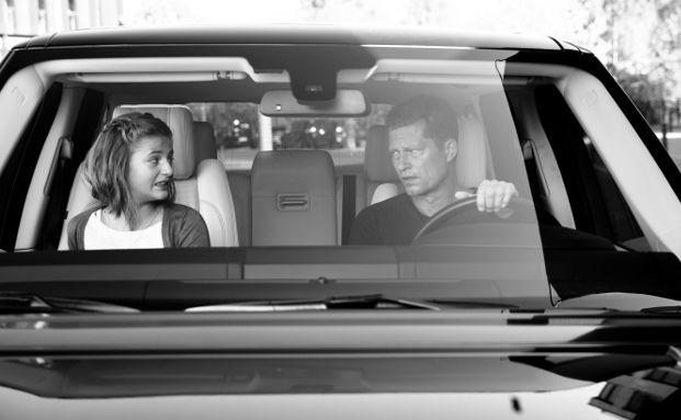 Die VHV hat Til Schweiger für ihre neue Werbekampagne gewonnen. Der Schauspieler, Regisseur und Produzent  bewirbt in TV-Spots und Printanzeigen auf humorvolle Art die Produkte der VHV für die Zielgruppe Privatkunden. Foto: obs/VHV Versicherungen/Anne Wilke