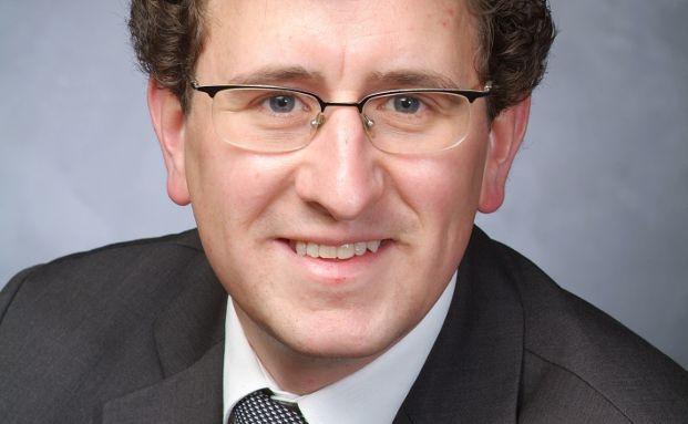 Mathias Corzelius ist Rechtsanwalt in der Kanzlei Göddecke Rechtsanwälte in Siegburg.