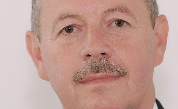 Peter Schmidt ist Unternehmensberater für Finanzdienstleister aus Bernau bei Berlin.