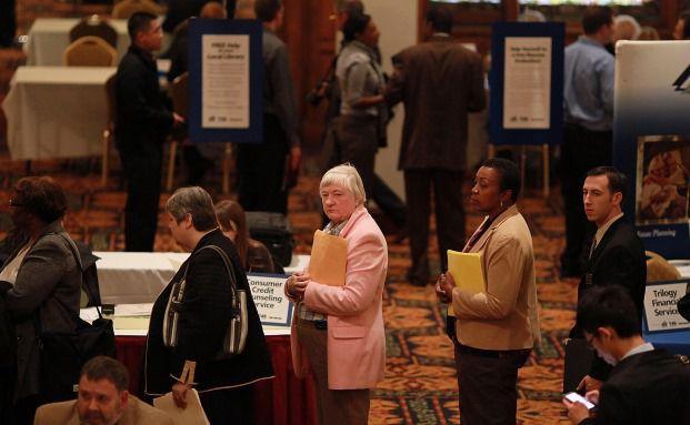 Arbeitssuchende auf einer Jobmesse in San Francisco, Kalifornien. Laut Establishment Surveys ist die Arbeitnehmerquote in den USA in den letzten Monaten gesunken. (Bild: Getty Images)