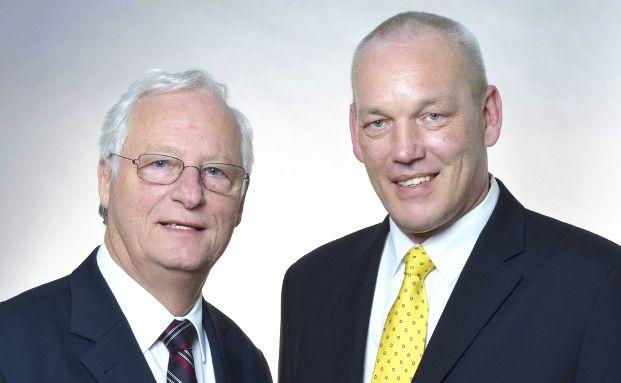 Hans John (l.) und Torsten Rehfeldt gründen die John & Rehfeldt Versicherungsmakler GmbH.