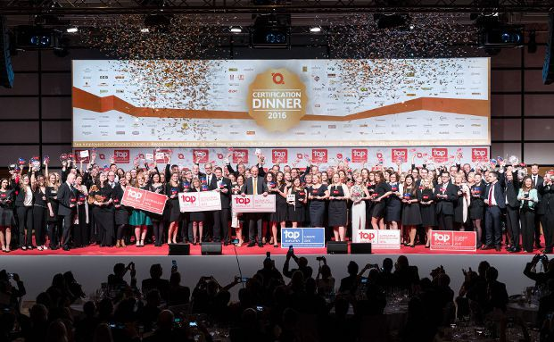 Das finale Gruppenbild mit allen Gewinnern. Foto: Top Employers Institute GmbH & Co. KG