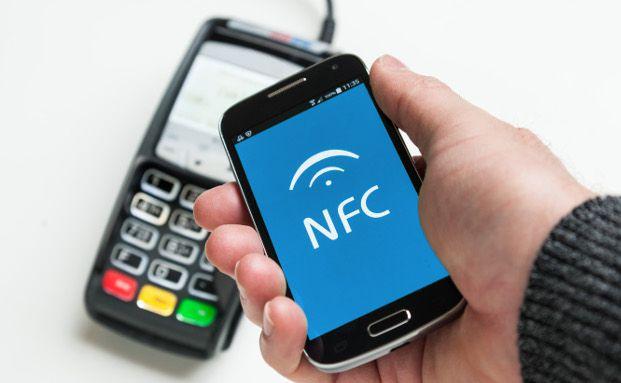 Bezahlen ist zumindest technisch per Smartphone problemlos möglich. Foto: obs/ERGO Versicherungsgruppe AG