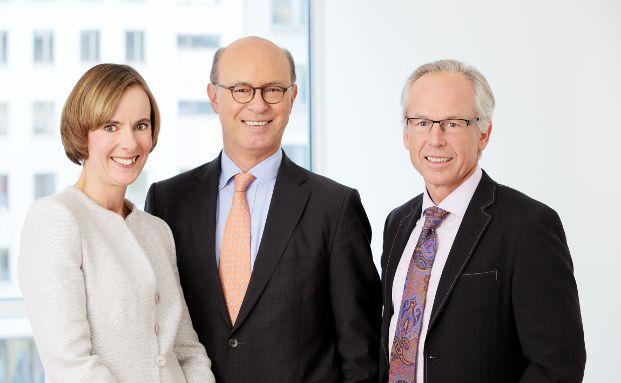 Der Vorstand der Landwirtschaftlichen Rentenbank: Imke Ettori, Horst Reinhardt (Sprecher), Hans Bernhardt (v. l.). Foto: obs/Landwirtschaftliche Rentenbank/Bernd Euring