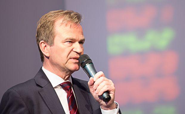Jens Hagemann, Vorstandssprecher der V-Bank, bei seiner Eröffnungsrede des 6. Münchner Vermögenstags. Foto: Anke Leuschke
