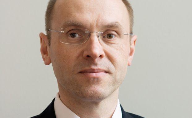 Frank Huttel, Finet
